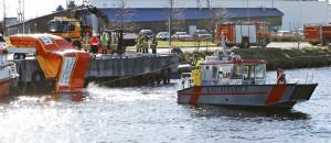 Boombagen trekkes av båt